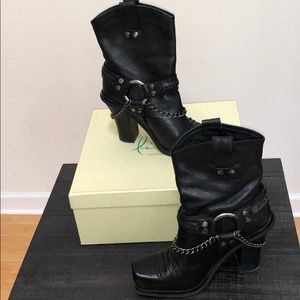 Beautiful decorations on must have boots.